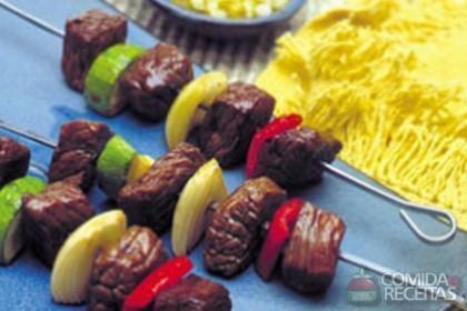 Receita de Espetinho de carne com abobrinha