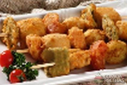 Receita de Espetinho de peixe à milanesa