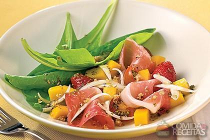 Receita de Salada tropical com presunto