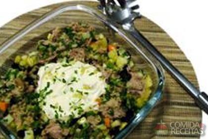 Receita de Salada com atum enlatado
