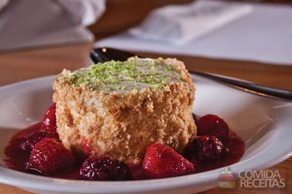 Receita de Cheesecake com morango e amora