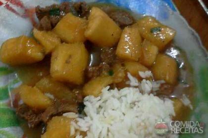 Receita de Cubos de carne e mandioca