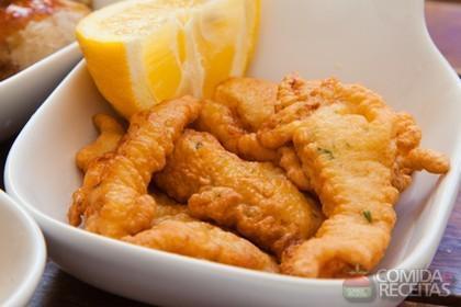 Receita de Isca de peixe com molho tártaro