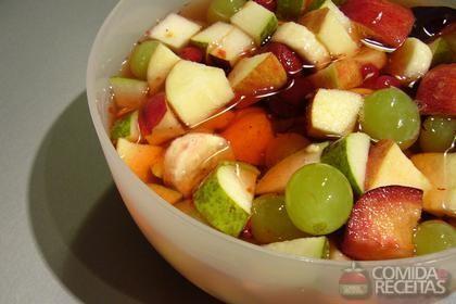 Receita de Salada de frutas com calda de laranja e mel