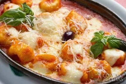 Receita de Nhoque de farinha com molho de tomates frescos