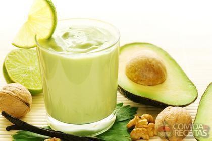Receita de Suco de abacate com leite, limão e mel