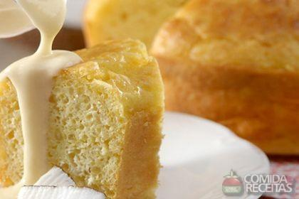 Receita de Bolo de tapioca com coco e calda de cupuaçu
