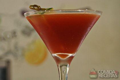 Receita de Coquetel goji melow martini
