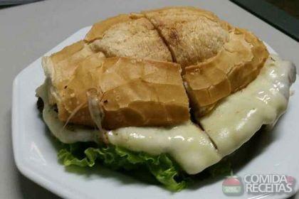 Receita de Sanduíche de carne e queijo