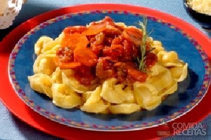 Receita de Capeletti ao molho de legumes