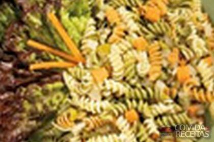 Receita de Salada refrescante de parafuso