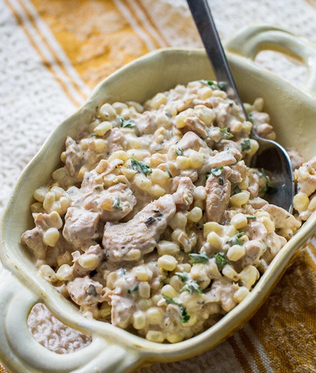 Salata od piletine i kukuruza