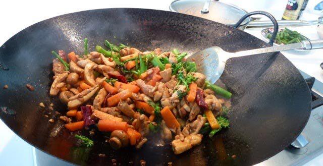Wok piletina sa povrćem