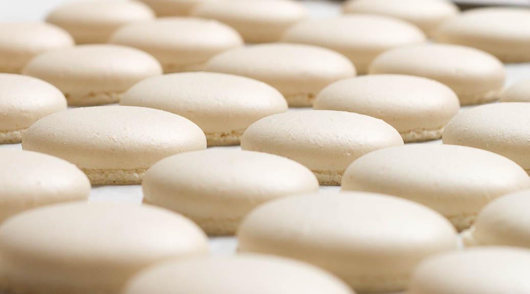 Les coques de macarons – meringue italienne