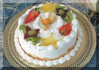 Bolo torta de frutas natalino