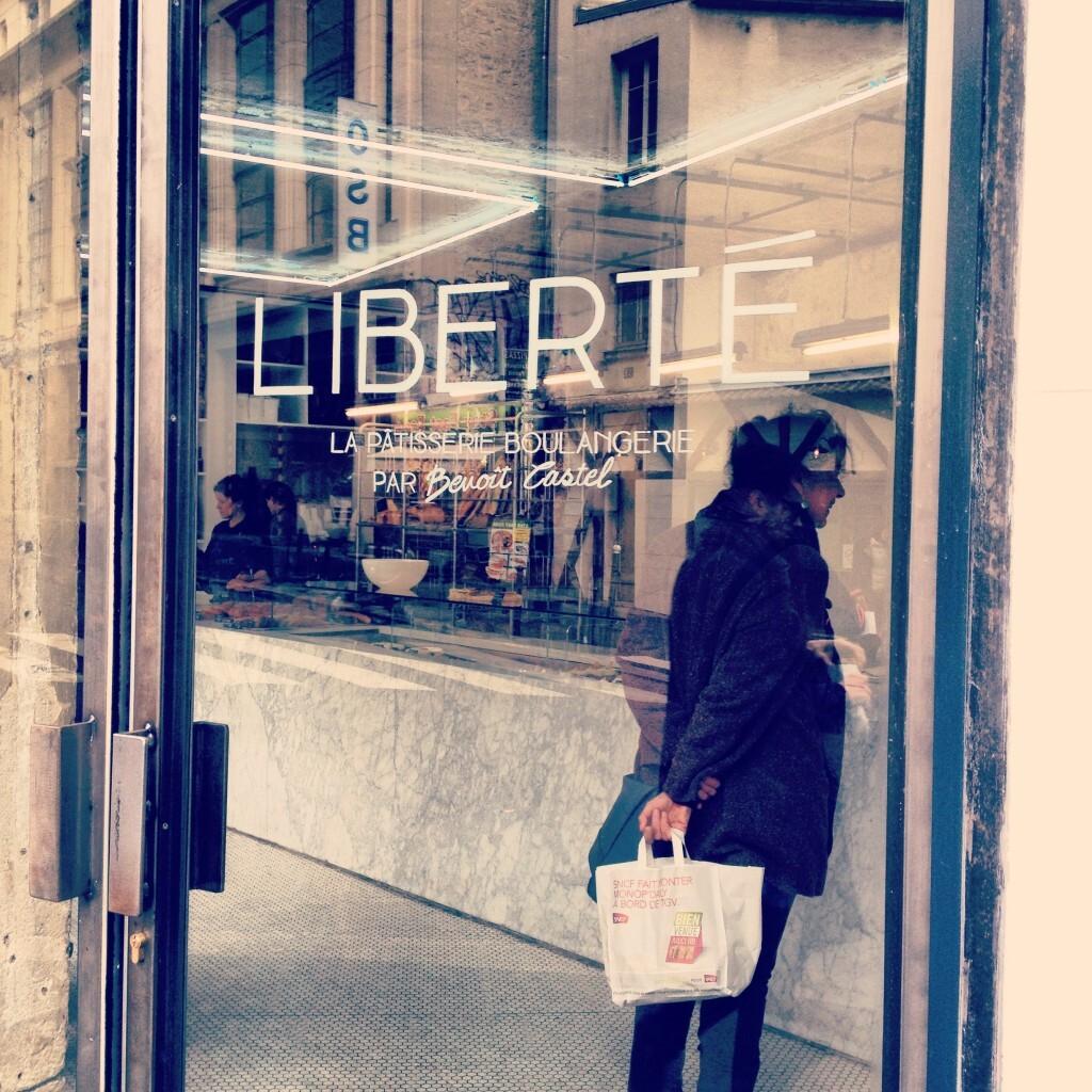 Seis endereços pra jantar sozinho em Paris