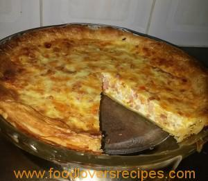 LOVELY BACON, CHEESE, TOMATO AND ONION QUICHE