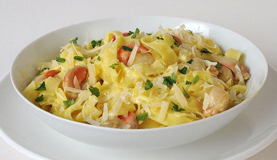 Fetuccini con Salsa de Azafrán y Ostiones