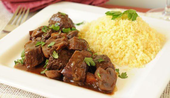 Estofado de Carne, Vino Tinto y Champiñones