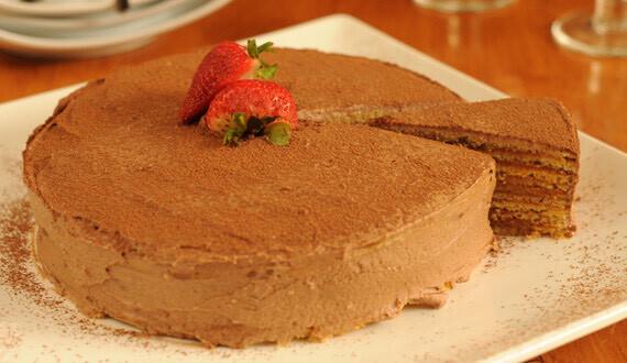 Torta de Panqueques con Chocolate y Manjar