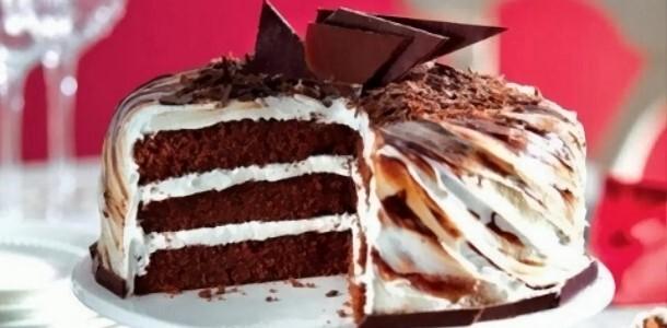 como fazer um bolo de dois andares de chocolate