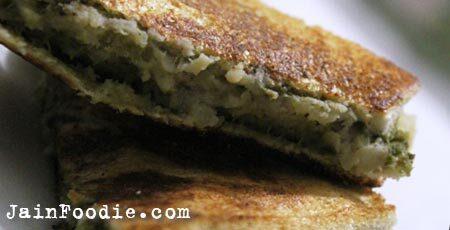 Kela Bhaji Toast Sandwich