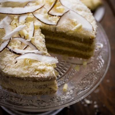 Layer cake noix de coco et chocolat blanc