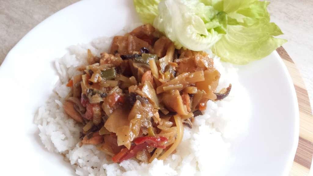 Slano – slatka piletina sa povrćem i ljutom paprikom