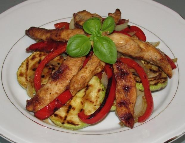 Grill salata sa piletinom