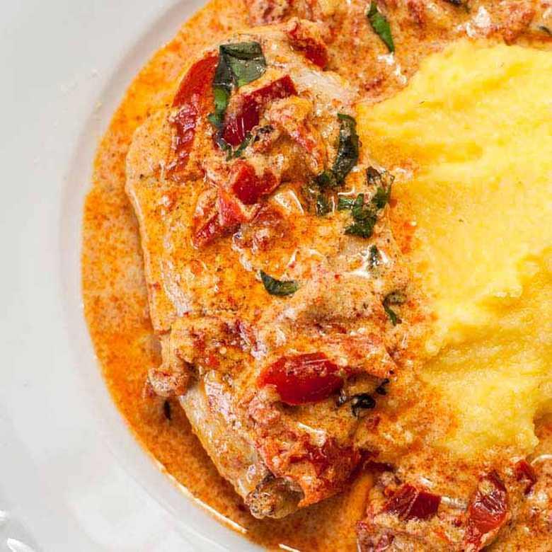 Piletina u sosu od suvog paradajza i pavlake