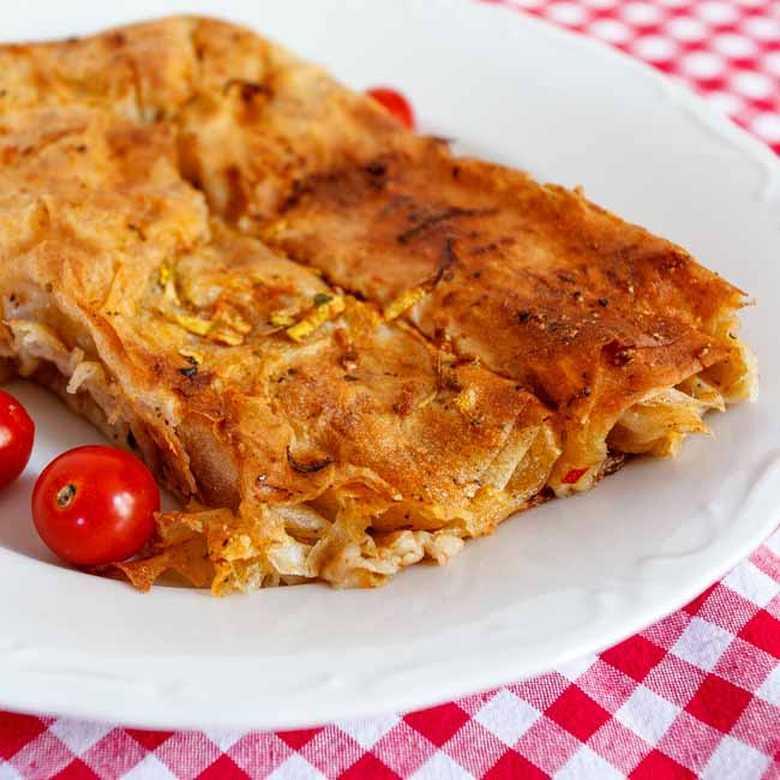 Pita od heljdinih kora sa tikvicama i paradajzom