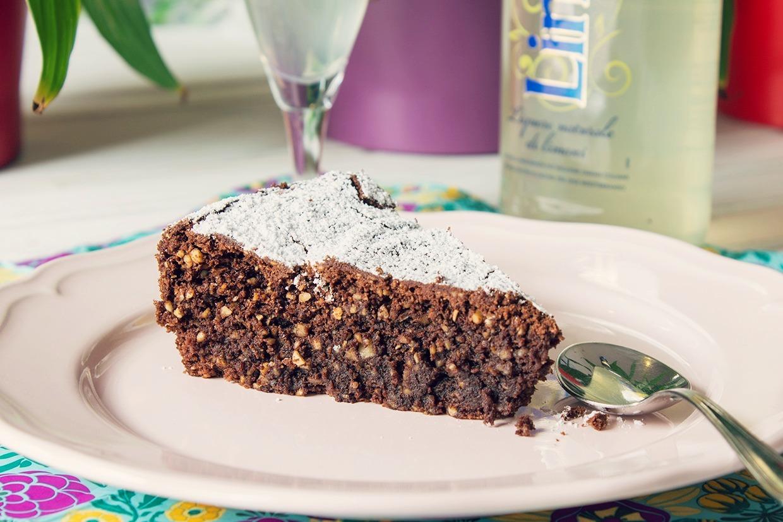 Receta de torta Caprese: pastel de chocolate y almendras sin harina