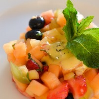 Brunoise de fruits frais à la menthe et son sabayon