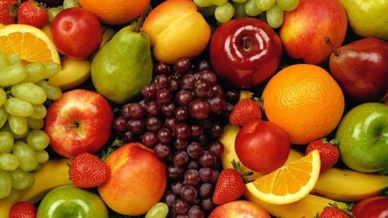 13 dicas de como fazer a criança comer frutas