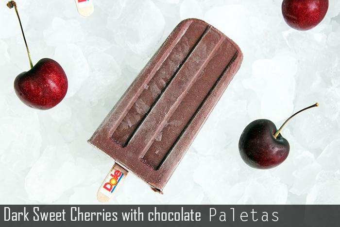 Paletas de dark sweet cherries con chocolate