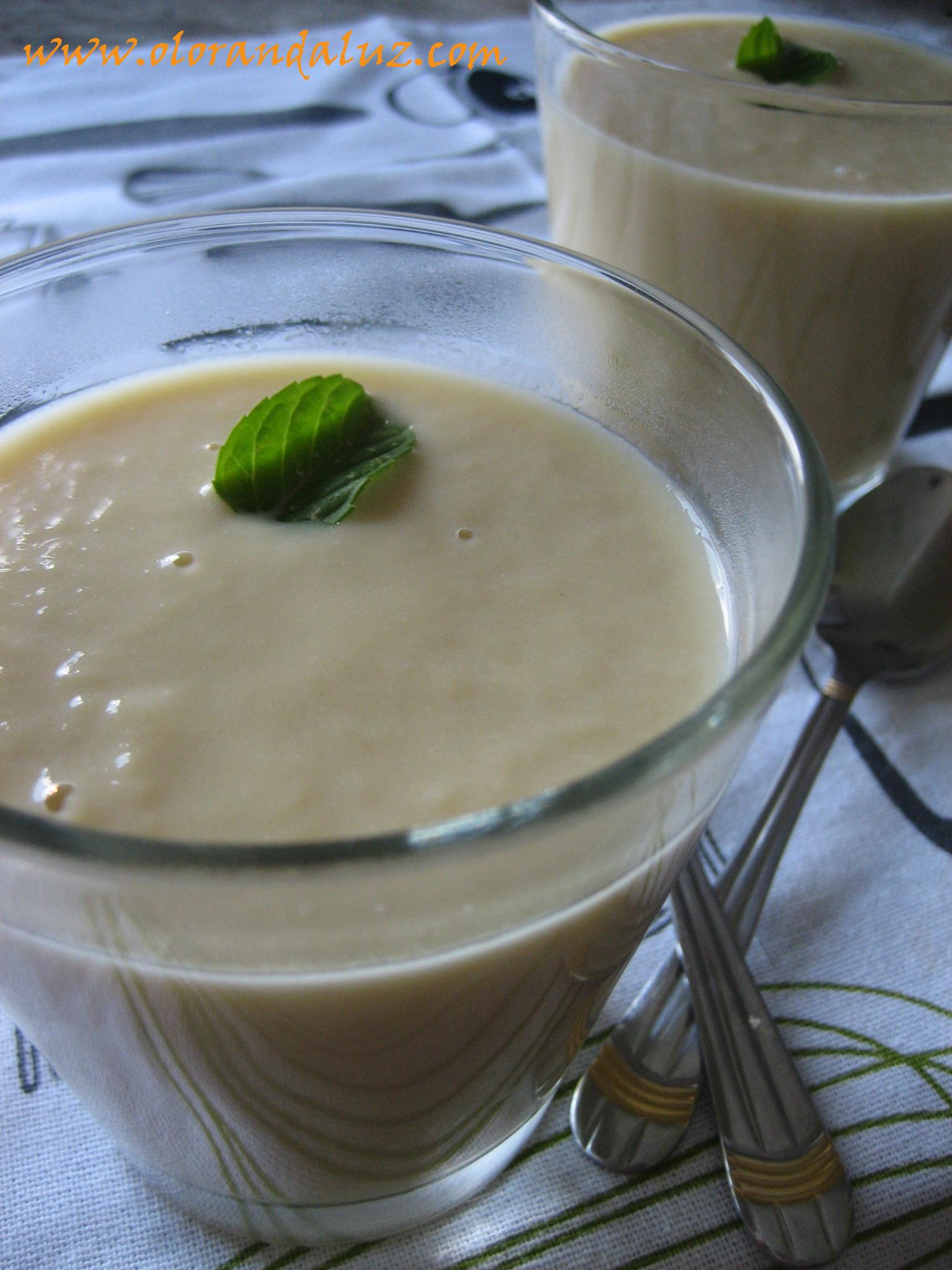 Sopa fría de espárragos blancos en conserva