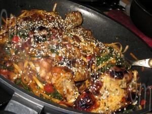 Poulet au miel, pak choï et sésame (wok)