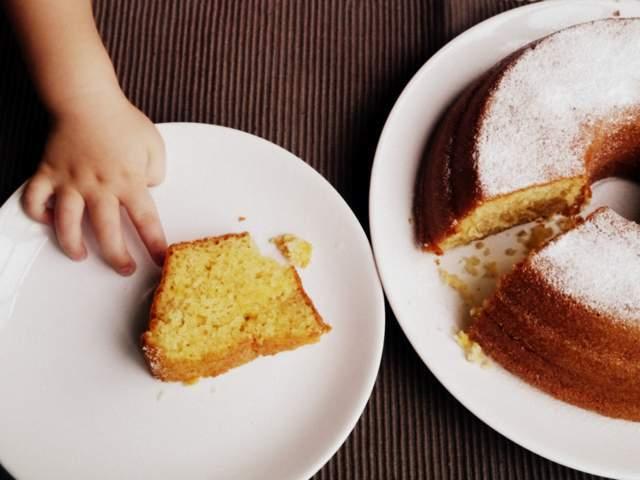 Bizcochuelo muy fácil (torta de yogurt 1-2-3)