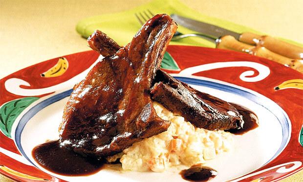 Bisteca de Porco Grelhada com Molho Agridoce