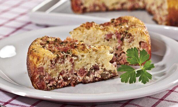 Omelete com Linguiça e Escarola