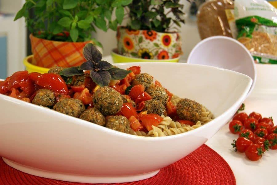 Almôndega Vegetariana com Fusili Integral