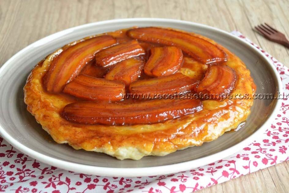 Torta fácil de banana e panelas Lekssa