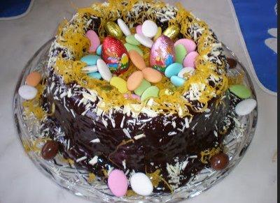 de ninho de fios de ovos com creme de ovos