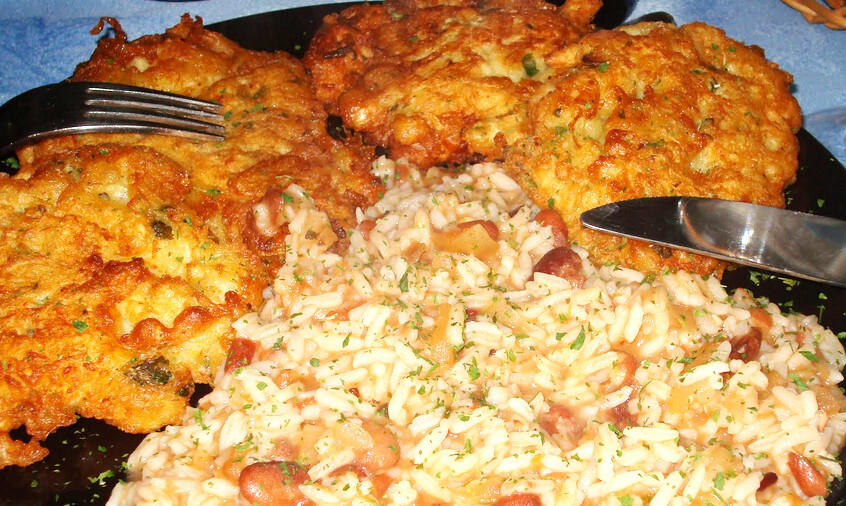 Receita de Sonhos de Peixe com arroz de feijão