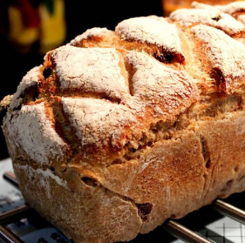 bolo de pão velho simples