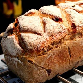 Pão de Nozes e Sultanas