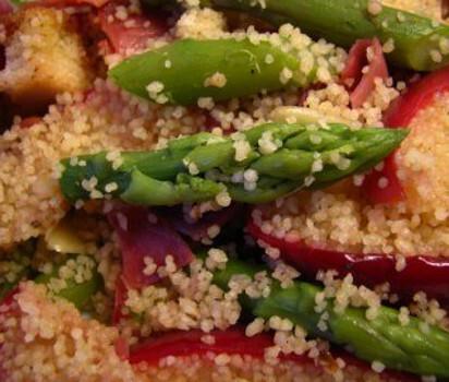 Salada Quente de Espargos e Maçã