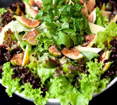 Salada com Amêndoas