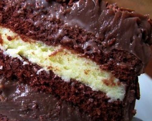 Fofinho Redondo de Chocolate com Recheio de Maracujá