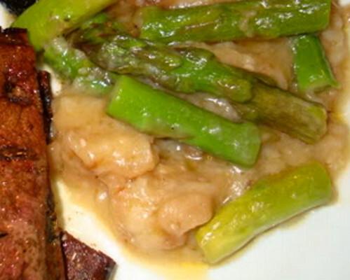 Sopa de Pão de Sementes com Vitela e Espargos